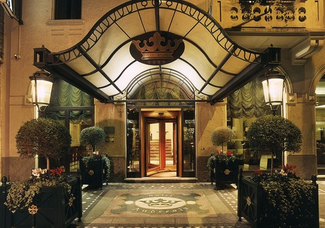 Entrance Hotel Andreola Central Milan