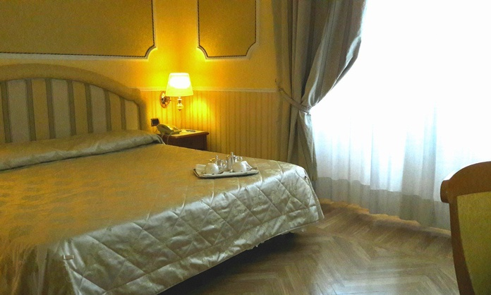 CLASSIC DOUBLE ROOM Hotel Andreola Central Milan